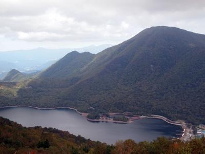 大沼と黒檜山