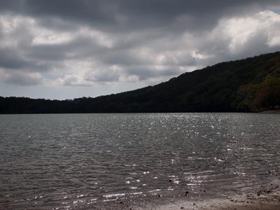 湖面キラキラ