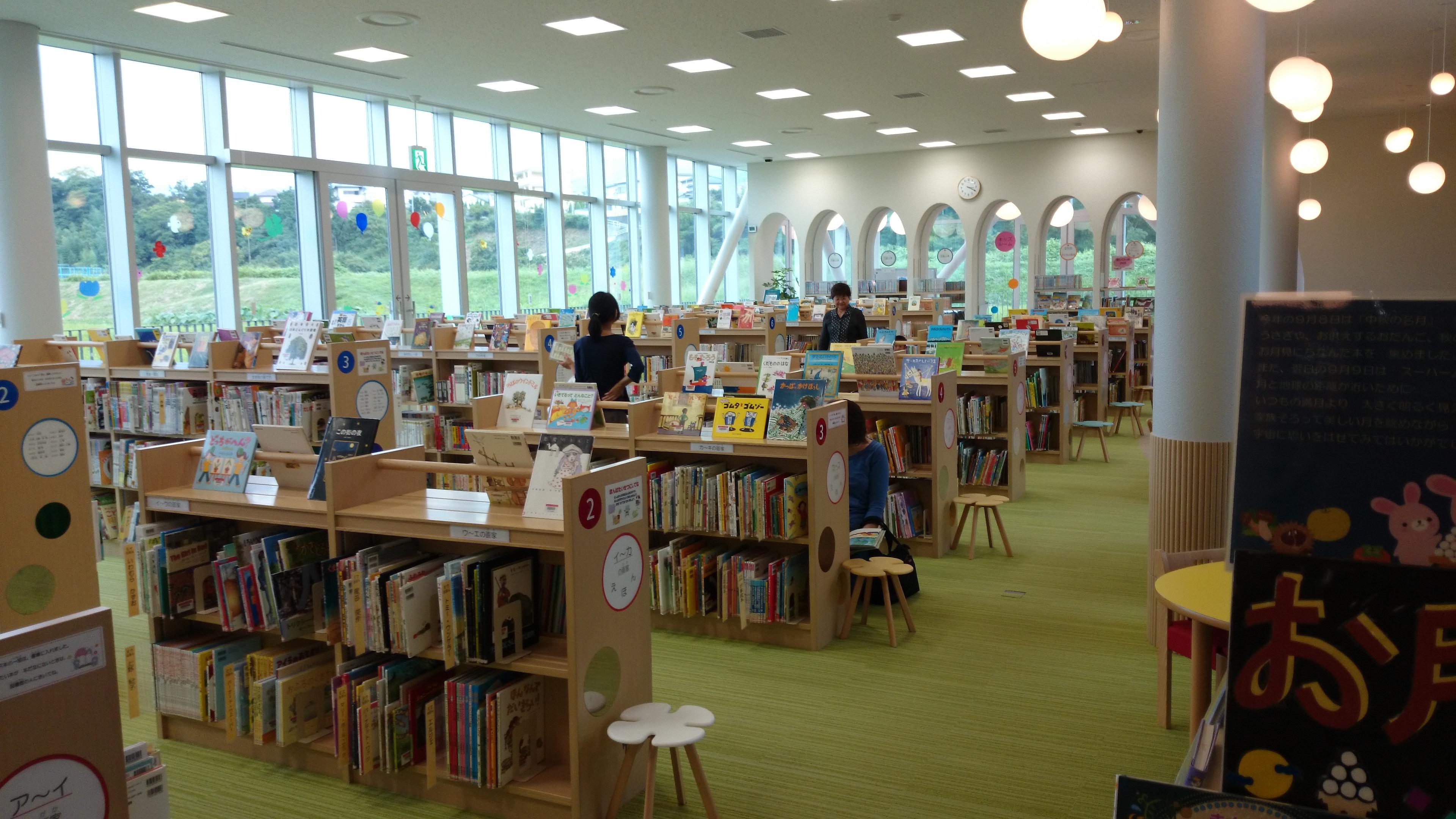 1F 子ども図書館部分