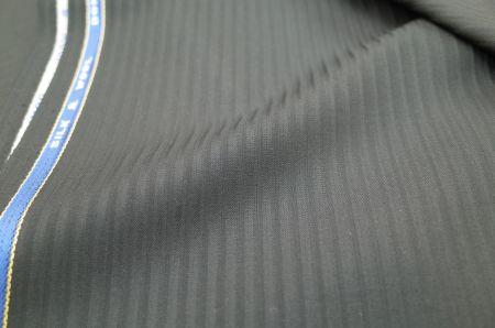 葛利毛織のスーツ生地