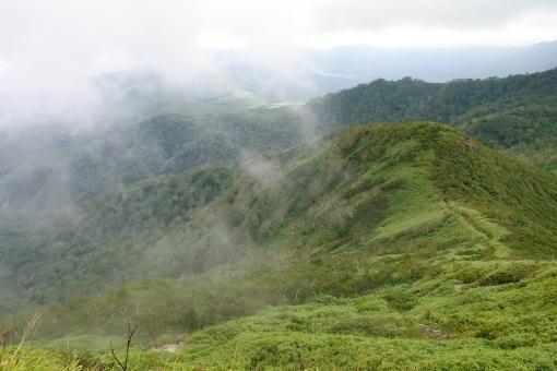 南東からの霧