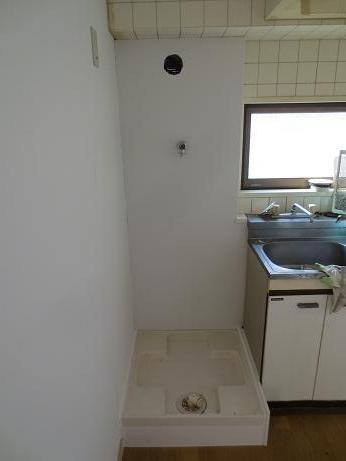 バストイレ分離洗濯機置き場