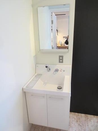 雑司ヶ谷シェアハウス洗面台