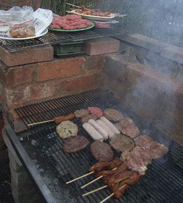 meatybbq01.jpg