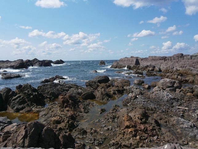 男鹿の岩浜2