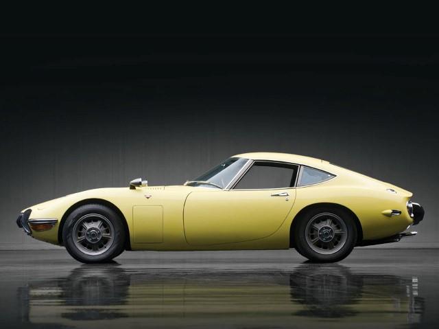 002-1967-toyota-2000gt.jpg