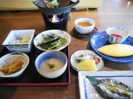 野の花山荘朝食