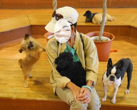 富士サファリパーク イヌの館