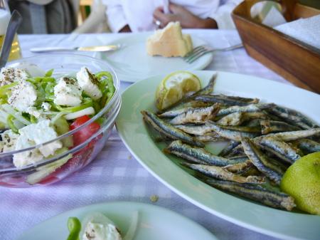昼食定番 小魚フライ