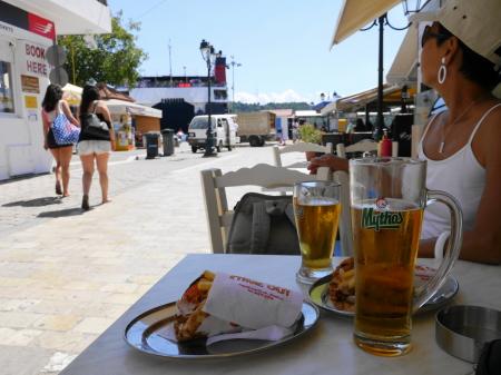 ギロとビールの昼食
