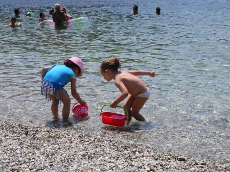 子どもにも安心 パノルモスビーチ