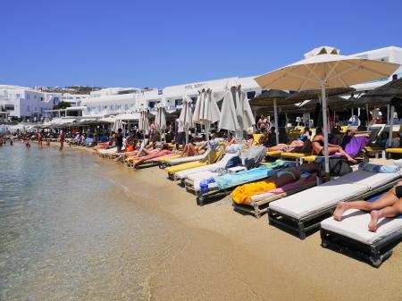 プラティヤロスビーチ サンベッド