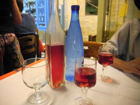 ロゼワインと水