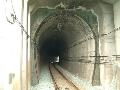 粟井坂トンネル02