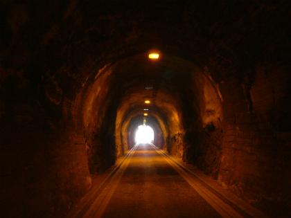 玉津隧道10