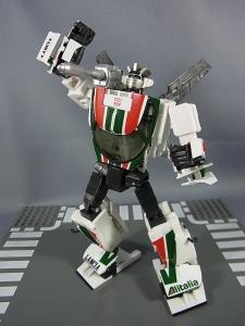 トランスフォーマー マスターピース MP-20 ホイルジャック ロボットモード025