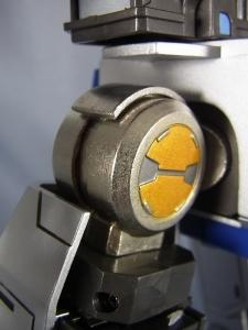 ULTIMETAL UM-01 OPTIMUS PRIME 01 FIGURE026