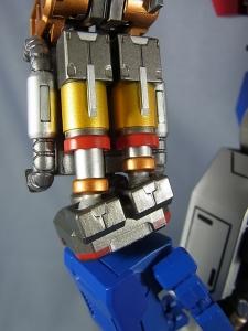 ULTIMETAL UM-01 OPTIMUS PRIME 01 FIGURE028