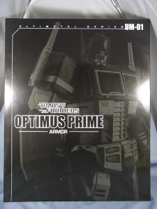 ULTIMETAL UM-01 OPTIMUS PRIME 02 ARMOR001