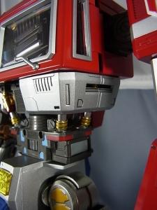 ULTIMETAL UM-01 OPTIMUS PRIME 02 ARMOR009