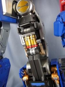 ULTIMETAL UM-01 OPTIMUS PRIME 02 ARMOR012