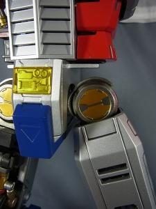 ULTIMETAL UM-01 OPTIMUS PRIME 02 ARMOR014