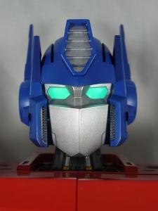 ULTIMETAL UM-01 OPTIMUS PRIME 02 ARMOR042