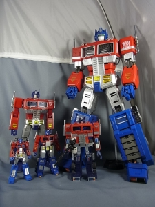 ULTIMETAL UM-01 OPTIMUS PRIME 03 PARTSACTION014