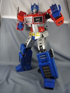 ULTIMETAL UM-01 OPTIMUS PRIME 03 PARTSACTION017