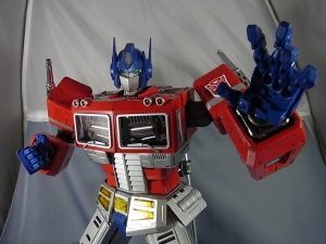 ULTIMETAL UM-01 OPTIMUS PRIME 03 PARTSACTION023