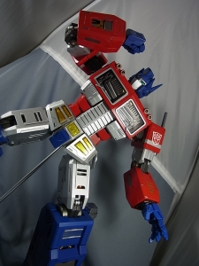 ULTIMETAL UM-01 OPTIMUS PRIME 03 PARTSACTION026