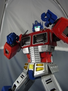 ULTIMETAL UM-01 OPTIMUS PRIME 03 PARTSACTION032