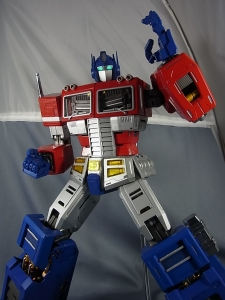 ULTIMETAL UM-01 OPTIMUS PRIME 03 PARTSACTION034