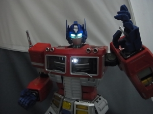 ULTIMETAL UM-01 OPTIMUS PRIME 03 PARTSACTION037