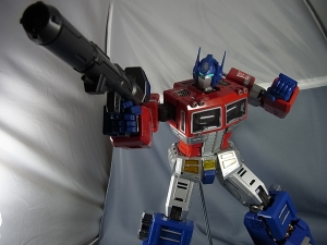 ULTIMETAL UM-01 OPTIMUS PRIME 03 PARTSACTION050