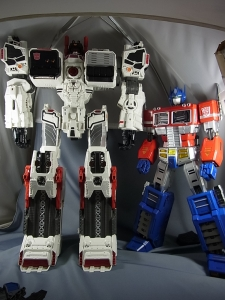 ULTIMETAL UM-01 OPTIMUS PRIME 03 PARTSACTION015