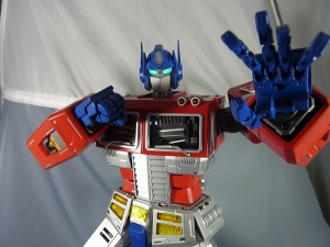 ULTIMETAL UM-01 OPTIMUS PRIME 03 PARTSACTION039