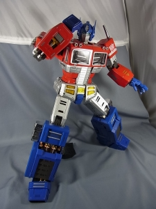 ULTIMETAL UM-01 OPTIMUS PRIME 03 PARTSACTION024
