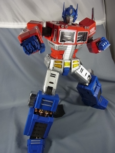 ULTIMETAL UM-01 OPTIMUS PRIME 03 PARTSACTION027