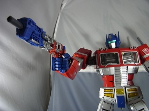 ULTIMETAL UM-01 OPTIMUS PRIME 04 ACTION004
