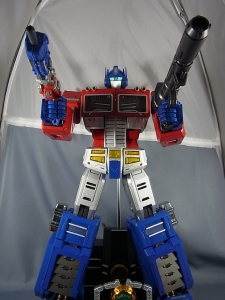 ULTIMETAL UM-01 OPTIMUS PRIME 04 ACTION005
