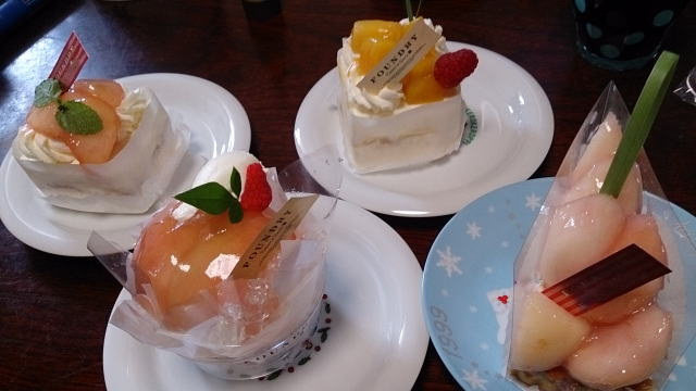 季節のフルーツのケーキ