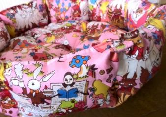 アリスのお茶会ベッド6