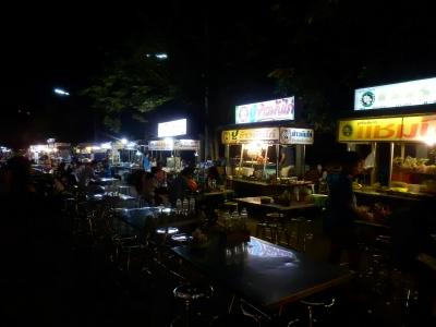 タイ・ロッブリーでの食事6