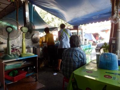 タイ・ロッブリーでの食事17