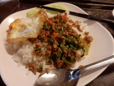 タイ・ロッブリーでの食事22
