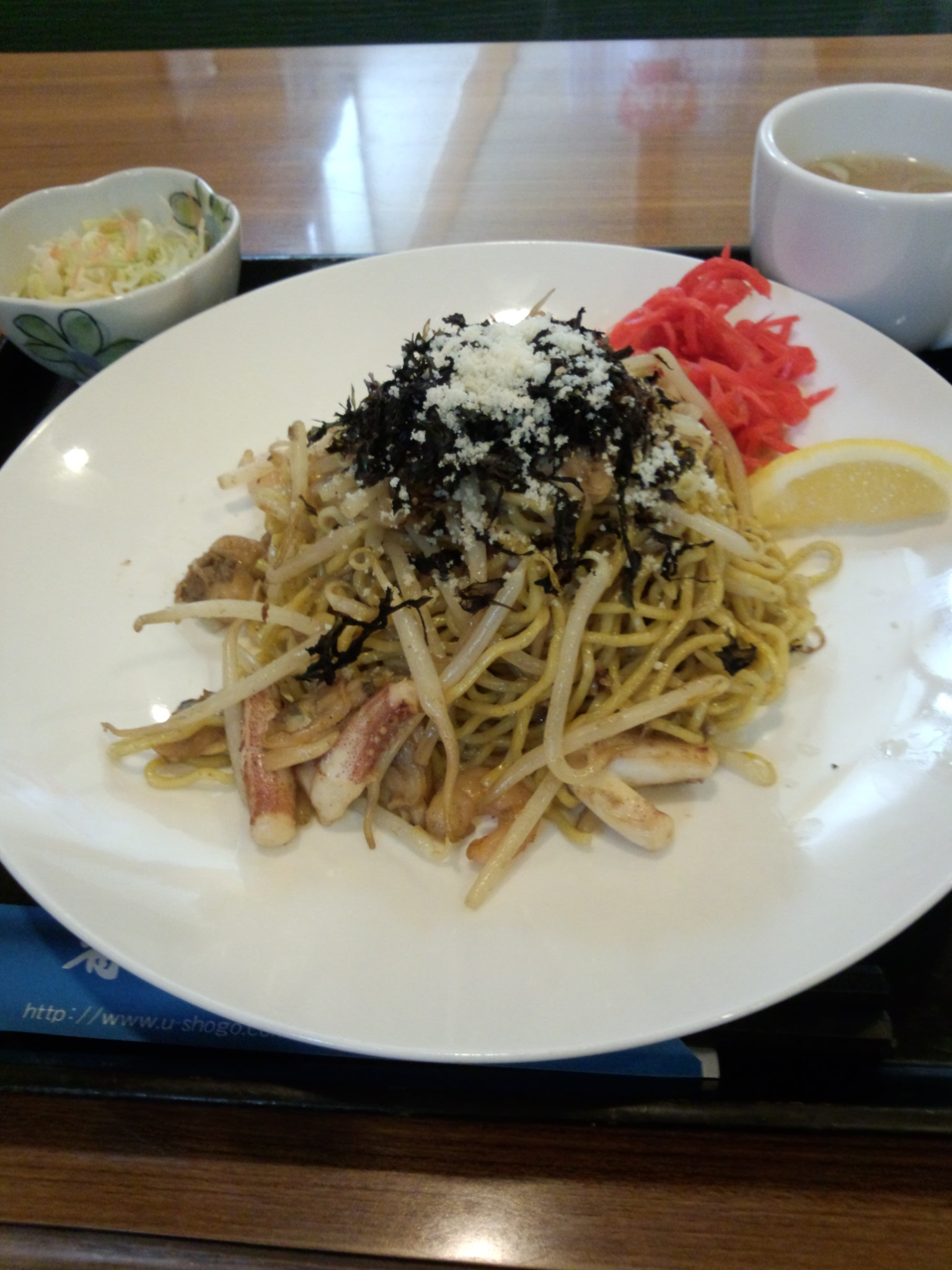 魚醤の焼きそば(味は塩?しょうゆ?)