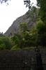 岩屋寺地蔵と岩峰