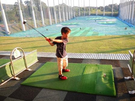 ゴルフをしたり