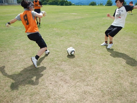 サッカーの授業が